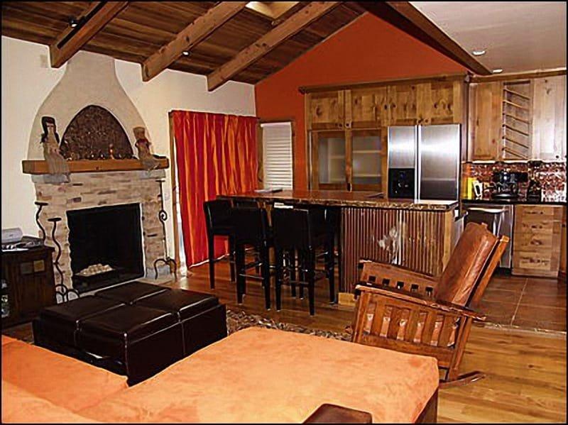 Hip Snowmass Condo - perfect for 3 couples (202989), location de vacances à Snowmass Village