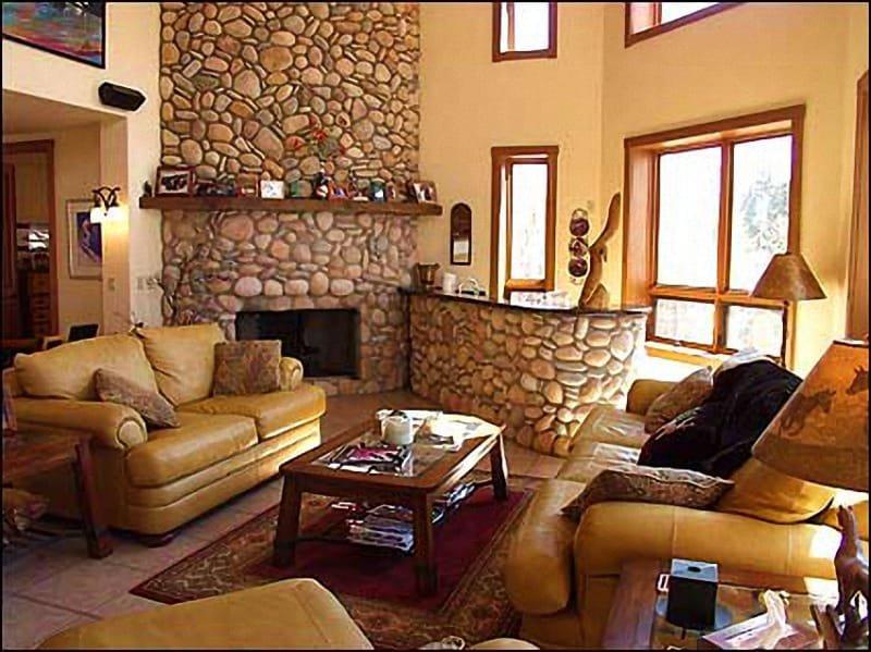 Bright Open Living Area