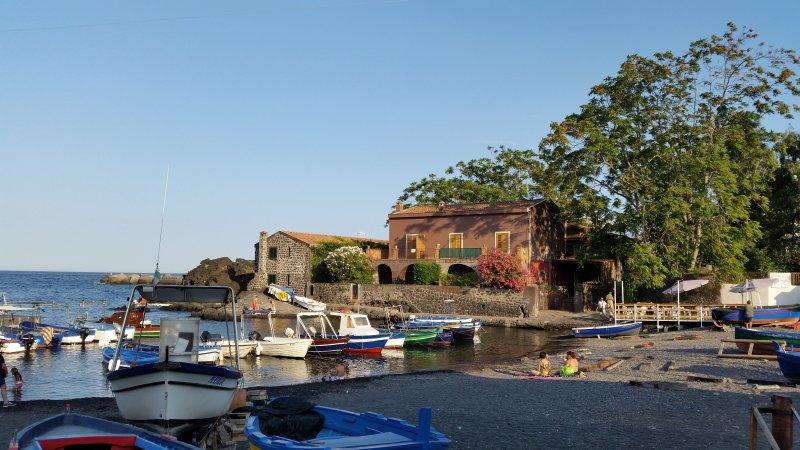 La barca di Pozzillo, holiday rental in Pozzillo