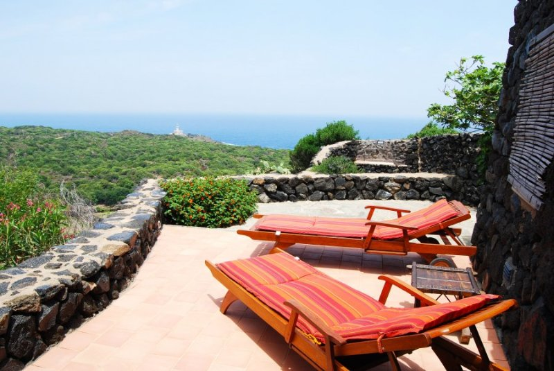 Panoramic views from the terrace and solarium