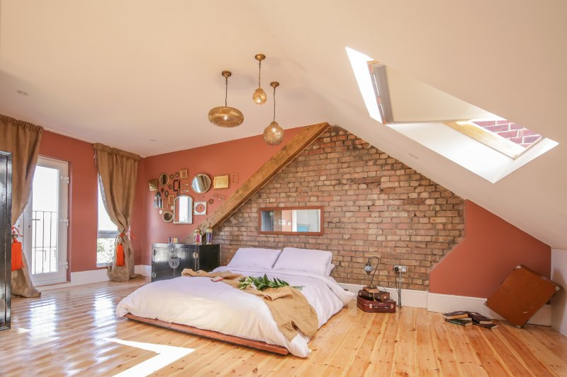 Contemporary modern family home, holiday rental in Wood Green