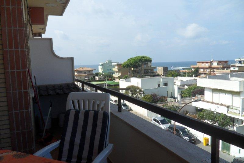 Grande varanda, ideal para desfrutar da vista para o mar eo pôr do sol que deixar você sem fôlego.