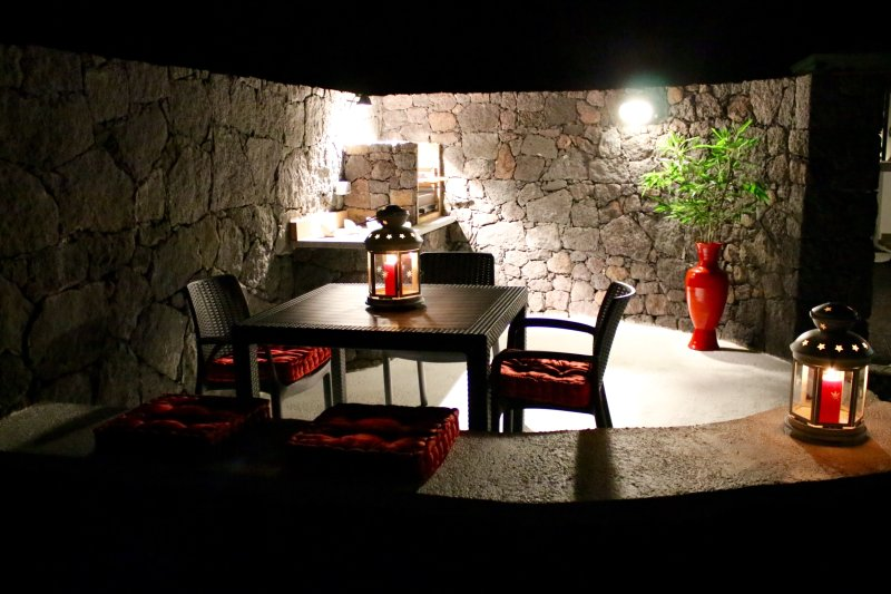 BBQ AREA BY NIGHT