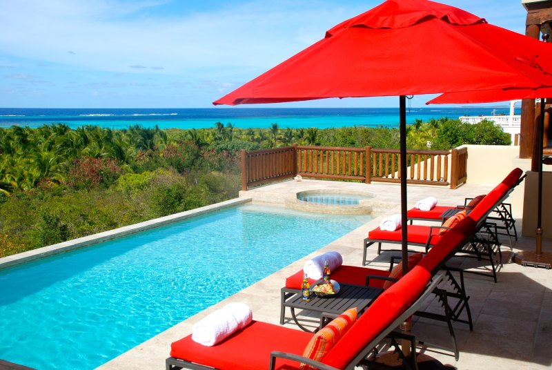 Dreamcatcher - luxury villa, stunning views over turquoise seas, vacation rental in Little Harbour
