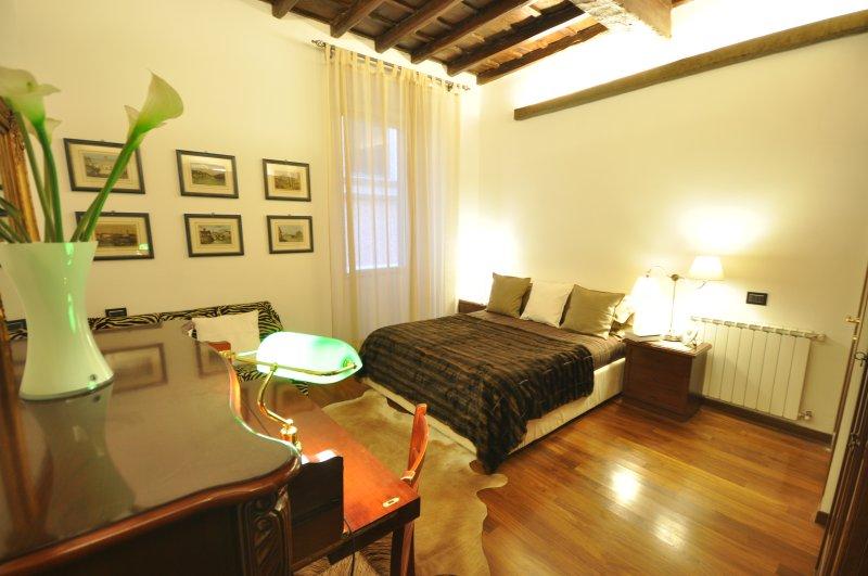 Trevi Fountain 1,2 Bedrooms 2 Bathrooms,very Quiet