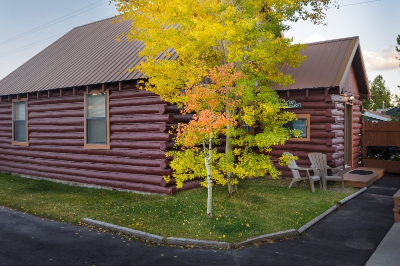 Madison Cabin 120 exterior in fall