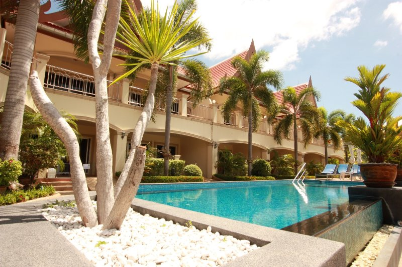 Family Friendly Apartment in Great Resort, holiday rental in Sattahip