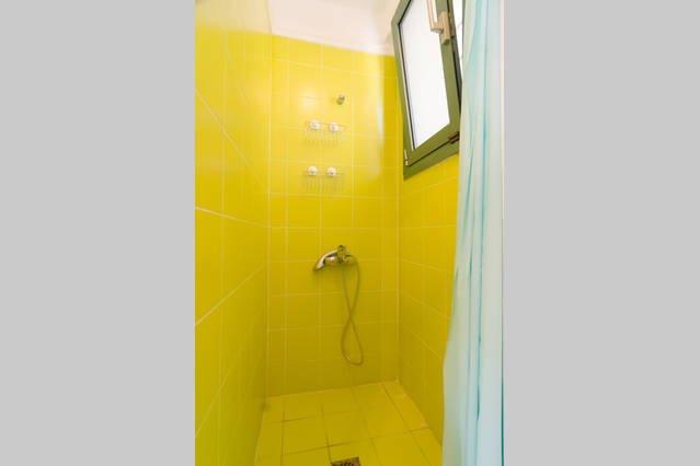 1ª flooor vista al bosque dormitorio / baño