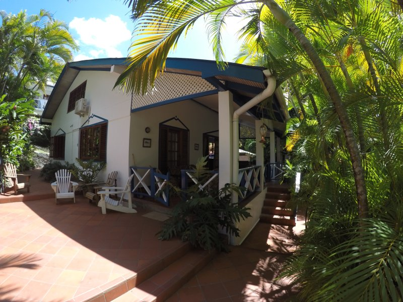 Jemas Guesthouse, holiday rental in Arnos Vale