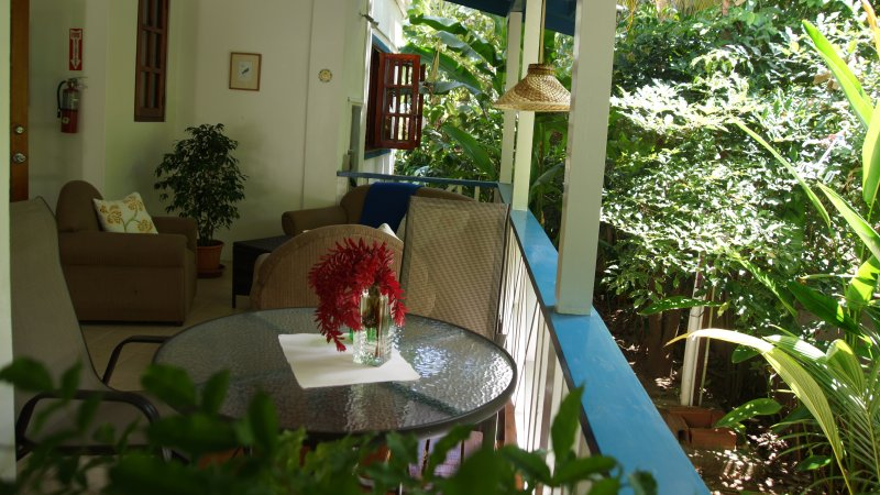 Jemas Guesthouse Apartment 1, holiday rental in Arnos Vale