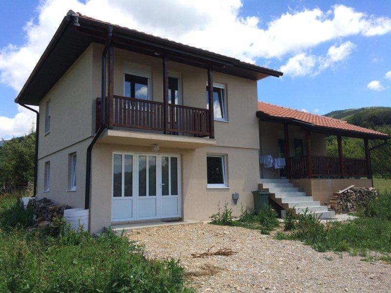Big House with Garden in Kolašin/ Montenegro, alquiler vacacional en Kolasin Municipality