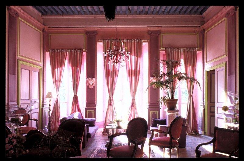 triple suite in heritage mansion near Chauvet cave, holiday rental in Pierrelatte
