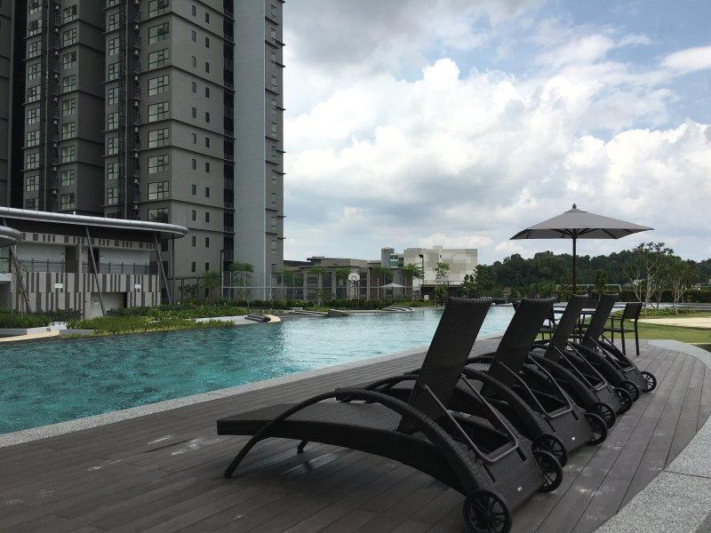 Hyve Suite, Cyberjaya - Clean, Cosy & 100mbps WiFi, holiday rental in Cyberjaya