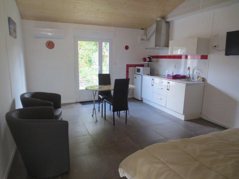 Studio 2 personnes, casa vacanza a Saint-Medard-en-Jalles