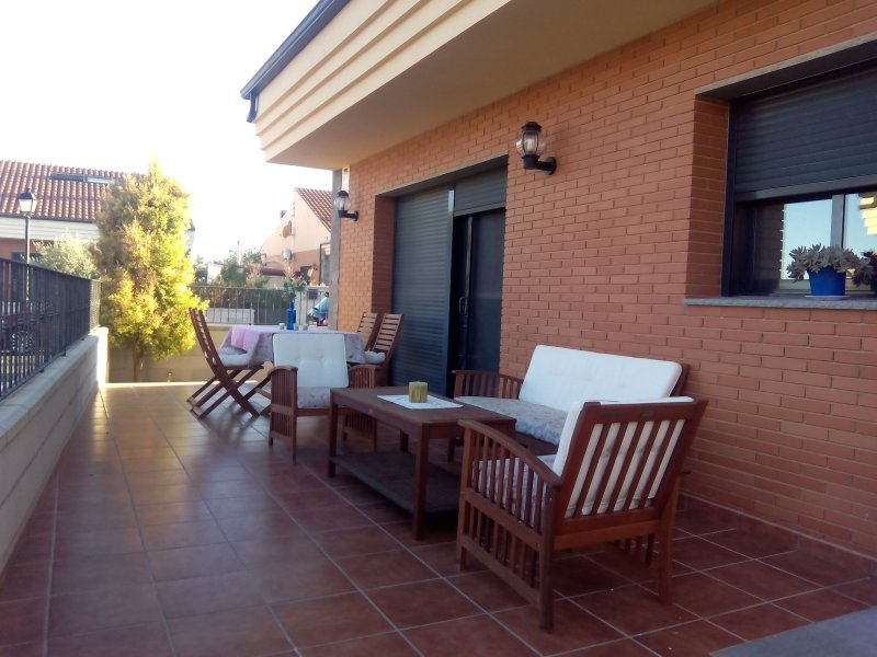 Chalet Miralles arquitectura actual, holiday rental in Corachar