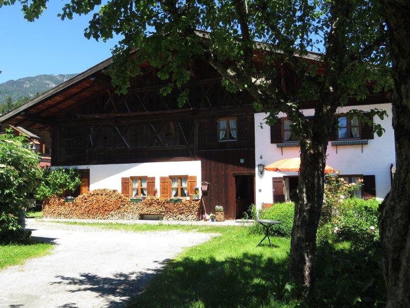 The old farmhouse in the center of Untergrainau