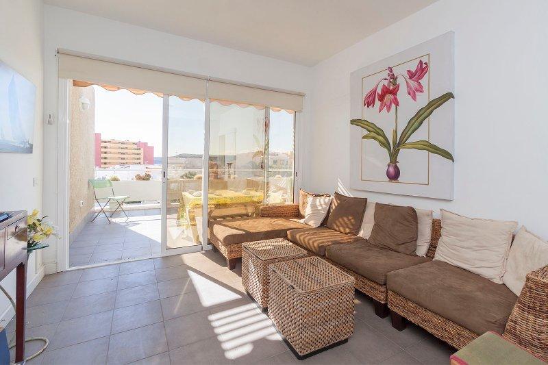 Apartment with Sea Views 2B, holiday rental in Poris de Abona