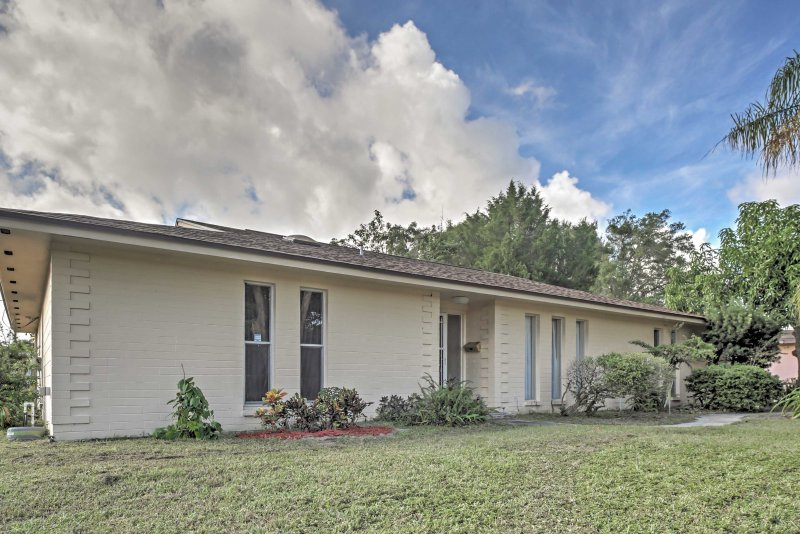 Come escape to this pleasant Maitland vacation rental home!
