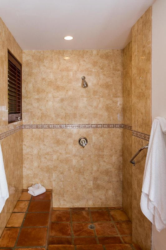 Coconut Palm Villa's Guest Suite indoor shower