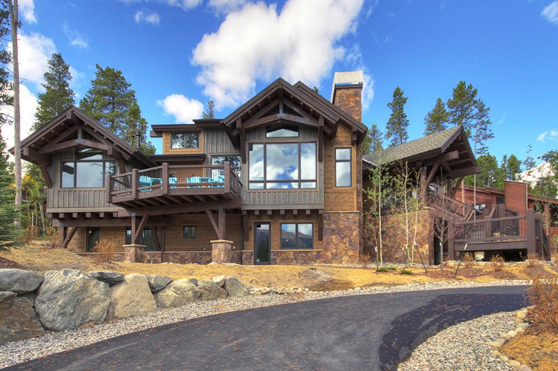 Take in the Views in this Brand New Home that is the Epitome of Mountain Luxury, holiday rental in Breckenridge