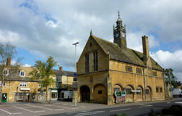 Redesdale Hall, Moreton in Marsh High Street