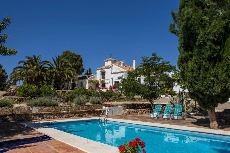 Large Cortijo in the heart of Andalusia with pool, vacation rental in Gobantes