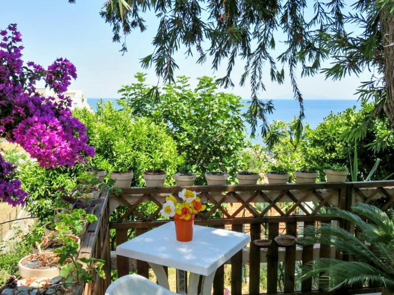 Amazing house with sea view & Wifi, casa vacanza a Ville-di-Pietrabugno