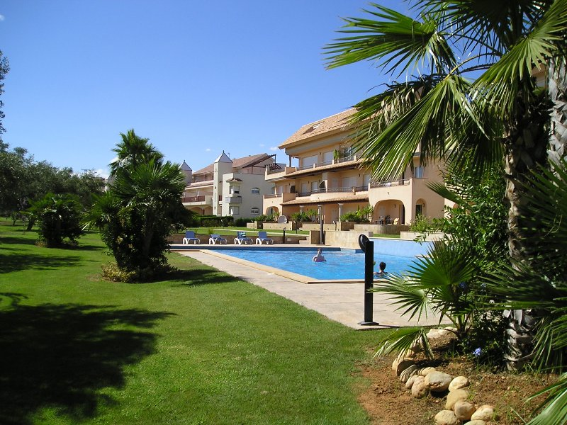 Golf Panoramica - overlooking pool & 16th tee, aluguéis de temporada em Vinaros