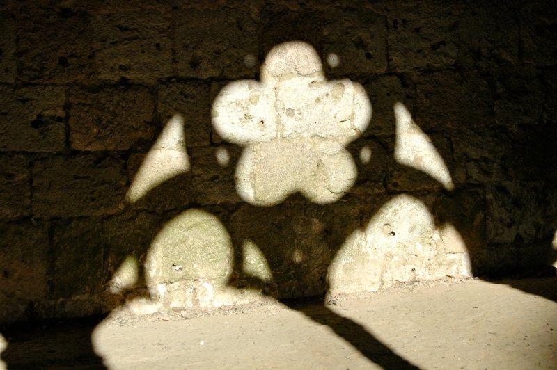 La Romieu : jeux d'ombres