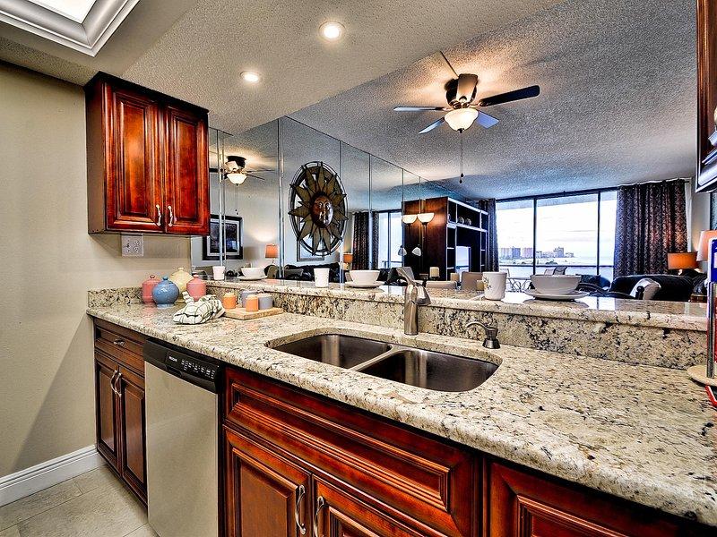 La cocina tiene una vista del Golfo de México.