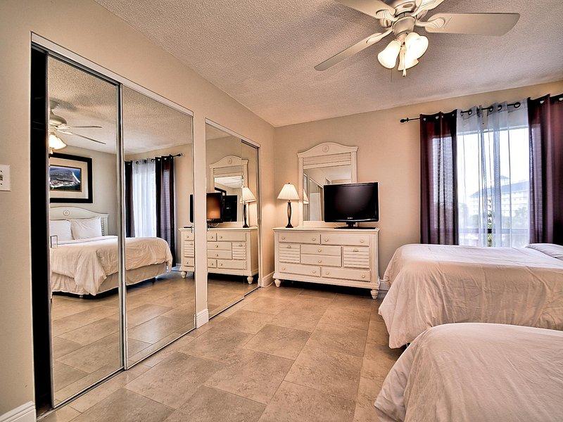 habitaciones disponen de TV de pantalla plana y un montón de armarios.