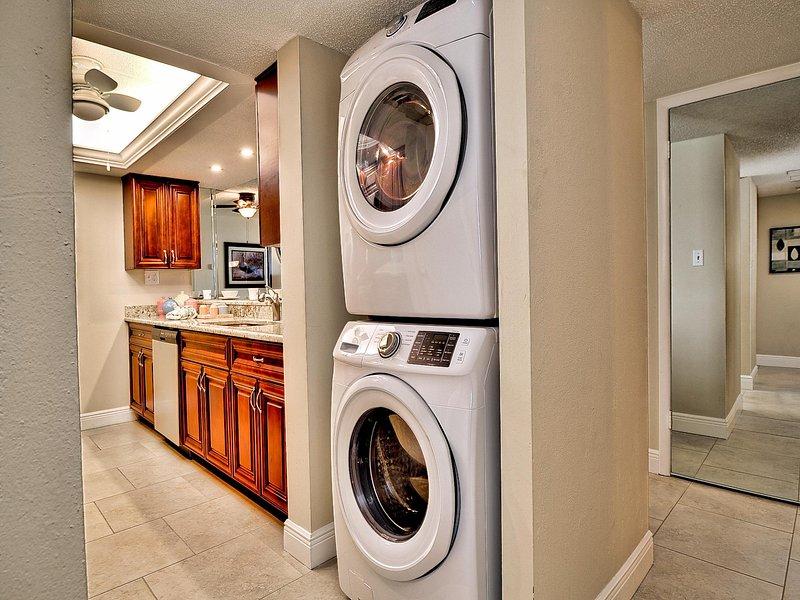 En la unidad lavadora y secadora