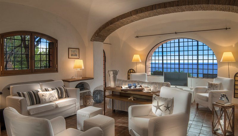 Luxury suites in villa - San Felice Circeo Italia Rome, holiday rental in Colonia Elena