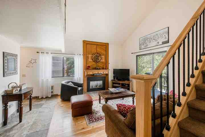 Welcome to this newly renovated, open and bright 3BR/2BA Red Pine Condominium with modernized interior near Canyons Resort in Park City, Utah.