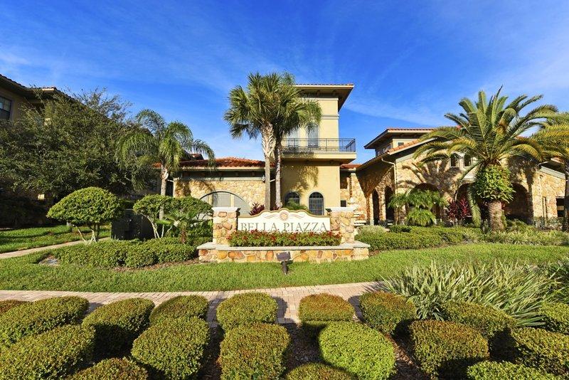 Fence, Hedge, Building, Palm Tree, Tree