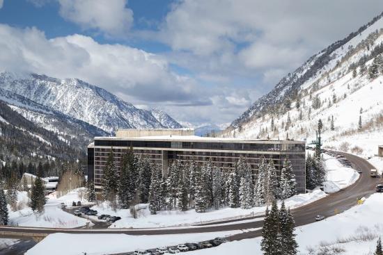 Crest Condo at Snowbird Cliff Lodge, holiday rental in Alta