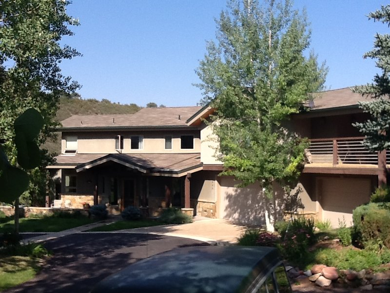 Beautiful Family House - Private and Comfortable, vacation rental in Aspen