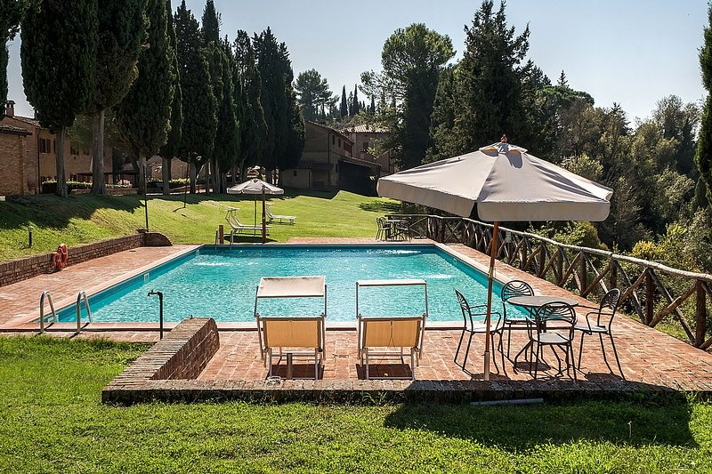 Campana Villa Sleeps 6 with Pool and WiFi - 5485046, Ferienwohnung in Monteroni d'Arbia