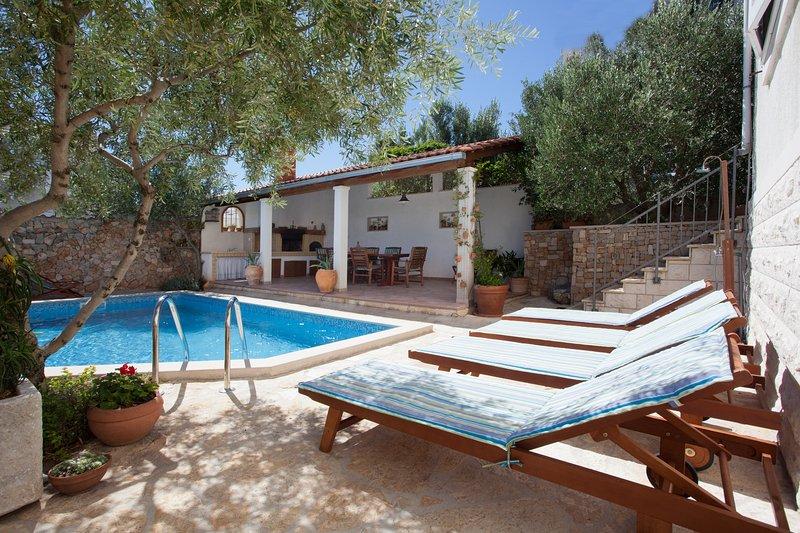 Villa Lukrecia, vacation rental in Supetar