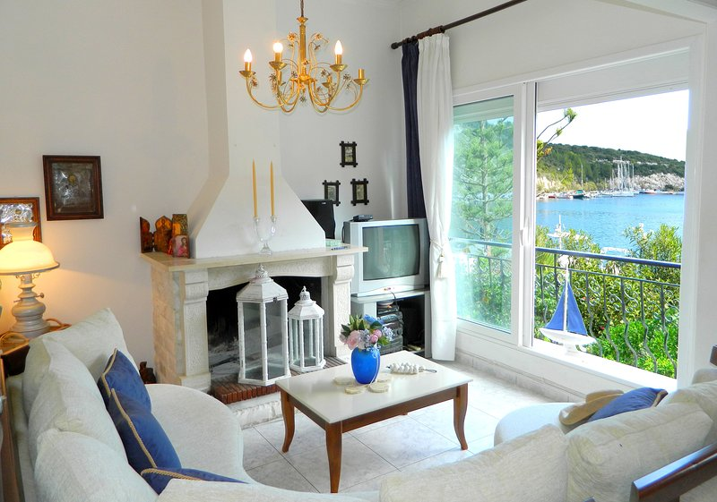 Bay Boutique Cottage with sea views, holiday rental in Gaios