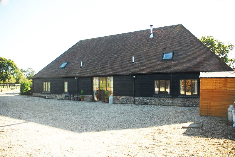 The Barn at Brookfield Farm, holiday rental in Slindon