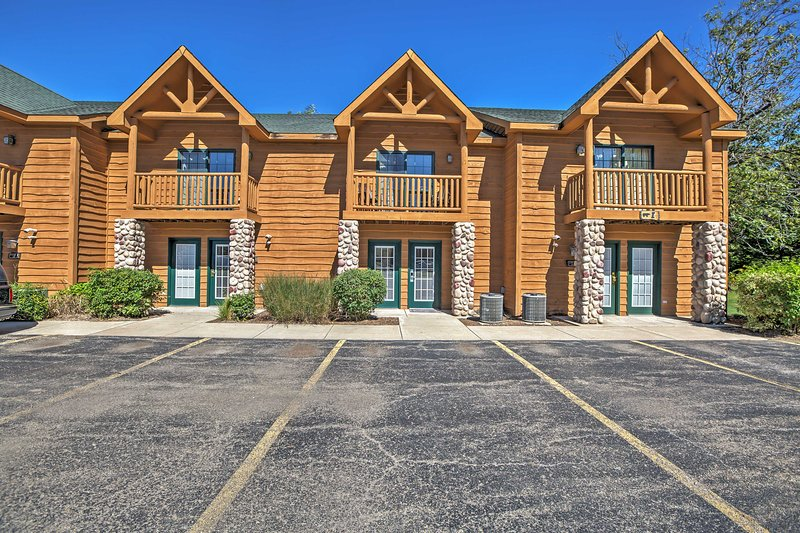 Situated on the Grand Bear Lodge Property, this charming townhome guarantees an adventurous vacation!