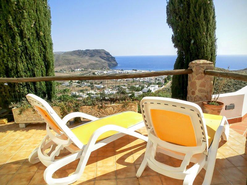 Terrasse mit Blick auf das Meer.