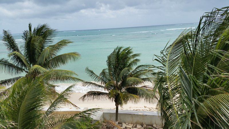 BEACH VIEW FROM SUNDECK