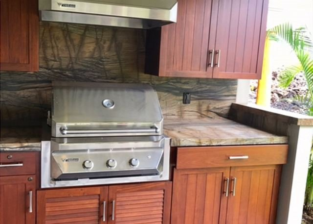 BRAND NEW BBQ KITCHEN
