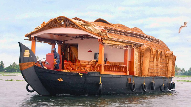River View House Boat  (Double Bed Room for 5 PAX), holiday rental in Alappuzha