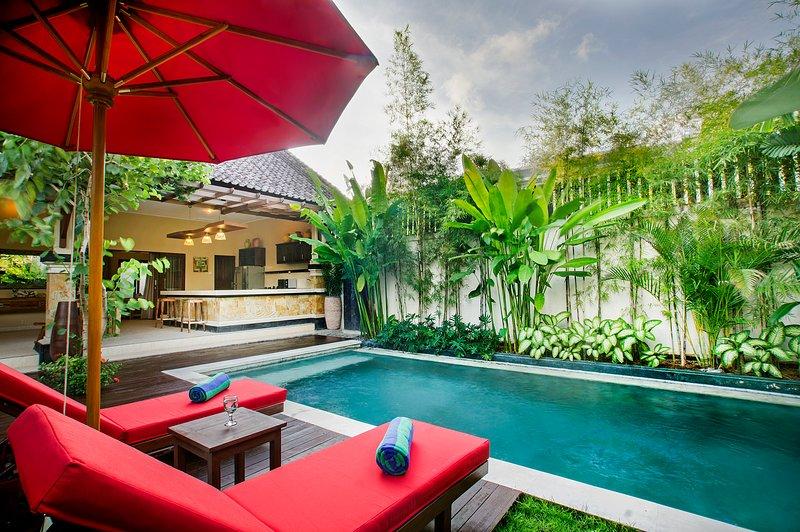 Ashira Villa - MIX TRADITIONAL & MODERN VILLA IN SEMINYAK, location de vacances à Kerobokan