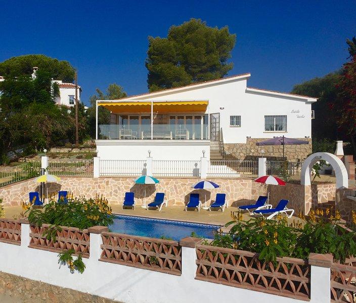 Casa 'Monte Viento', Burriana Beach, Nerja, alquiler vacacional en Nerja