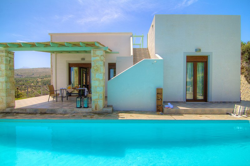 Villa Ikaros - Panoramic Sea View & Full Privacy!, vacation rental in Crete