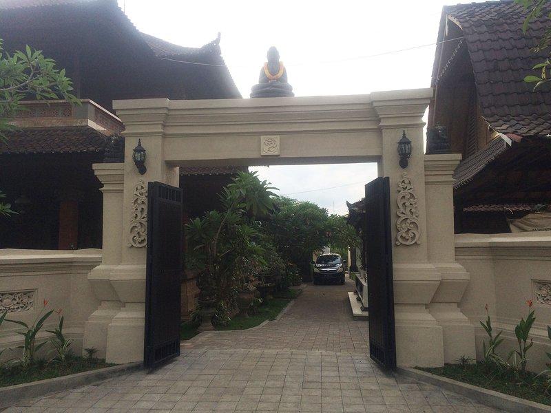Portão de Entrada Principal